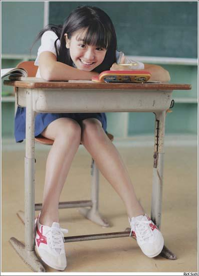 日华裔少女13岁的无敌青春
