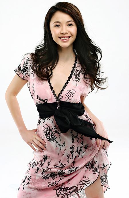 "com-杨若兮拍摄新版《杨三姐告状》片场""虚脱"""