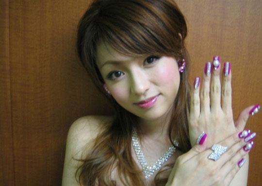 日韩女优噜噜色图片_日本女优绝对推荐一看的美女