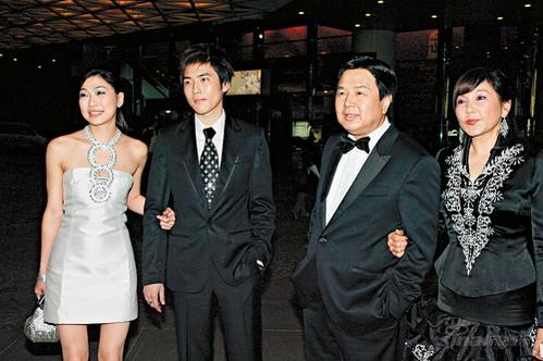 公司晚会节目_玩具大王蔡志明爱女蔡加敏怀孕暴肥30磅(组图)_cctv.com提供