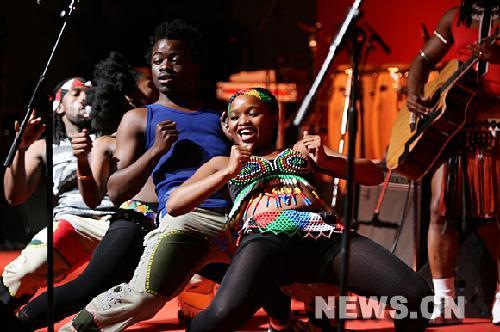 非洲美女劲歌热舞图