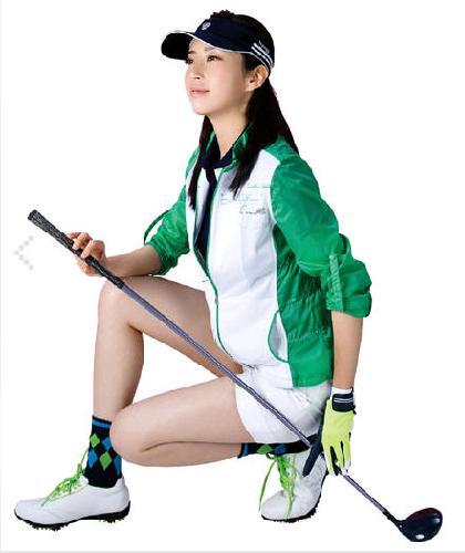宋允儿最近成为韩国某品牌高尔夫和户外用品代言人