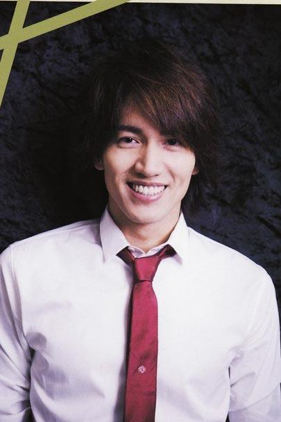 组图:言承旭日本杂志写真 精致型男优雅绅士