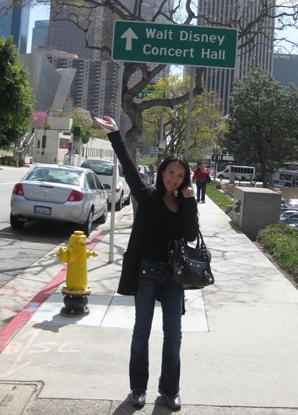 素颜李玟赴美观看布兰妮演唱会图片