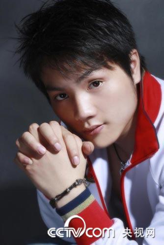 ...电影《冰雨》已在深圳成功建组,并确定于9月开机.对于该片,...