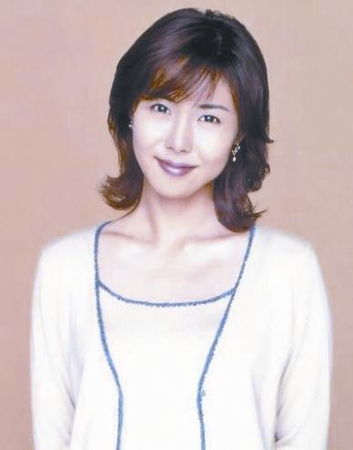 """36岁松岛菜菜子成""""日本女性最向往的面容"""""""