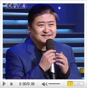 刘欢演绎经典歌曲《弯弯的月亮》
