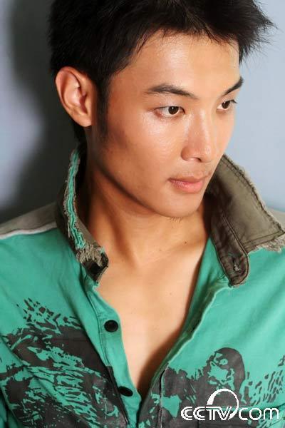 第九届cctv模特大赛男模10强--唐明正