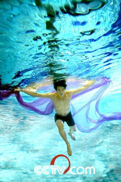 第九届CCTV模特大赛男模12强水下裸身性感拍摄(上) - 110414 - 左岸麦田の魔男志